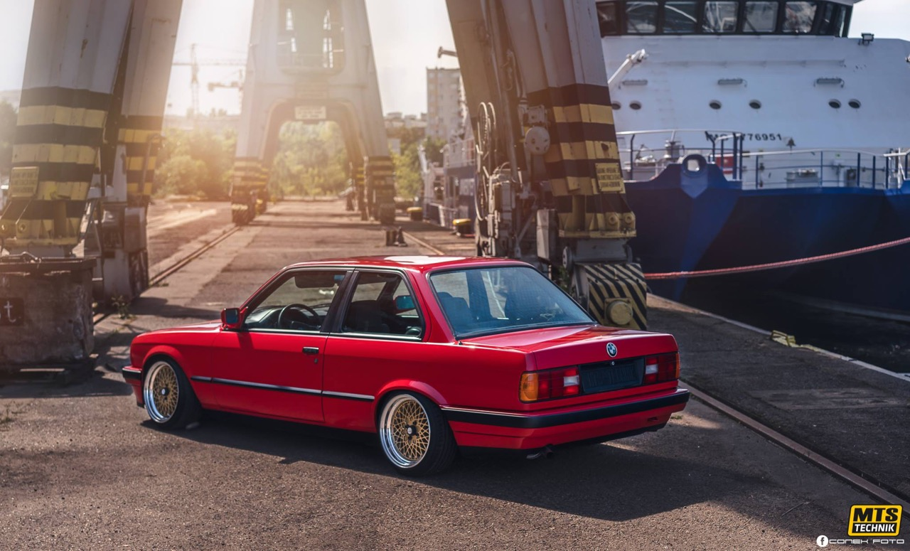 BMW E30 - Plus c'est simple... 13