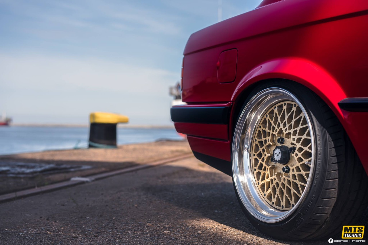 BMW E30 - Plus c'est simple... 12