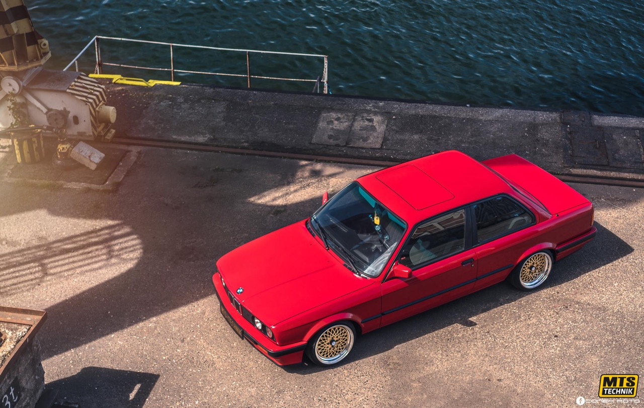 BMW E30 - Plus c'est simple... 1