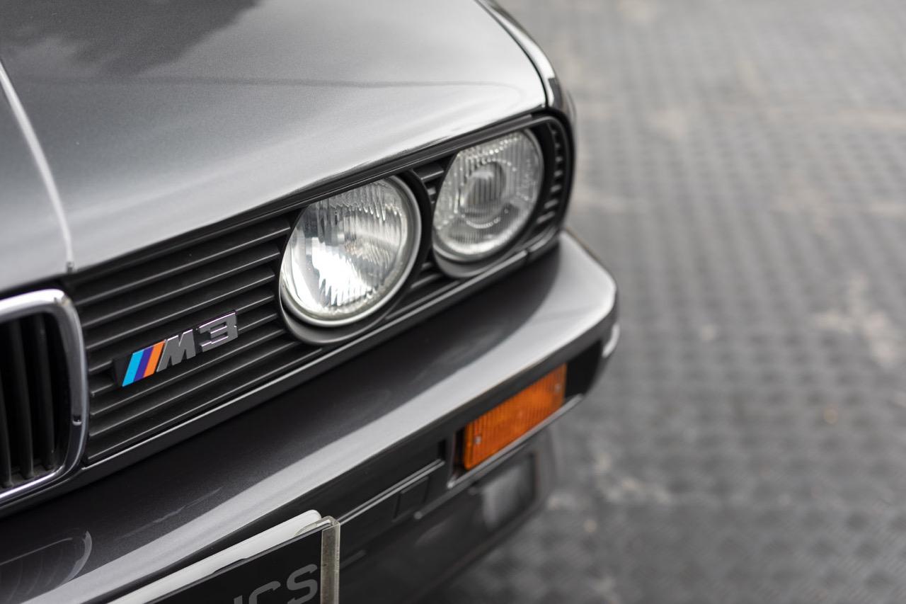 BMW M3 E30 Cabriolet... Spéciale Kéké ! 23