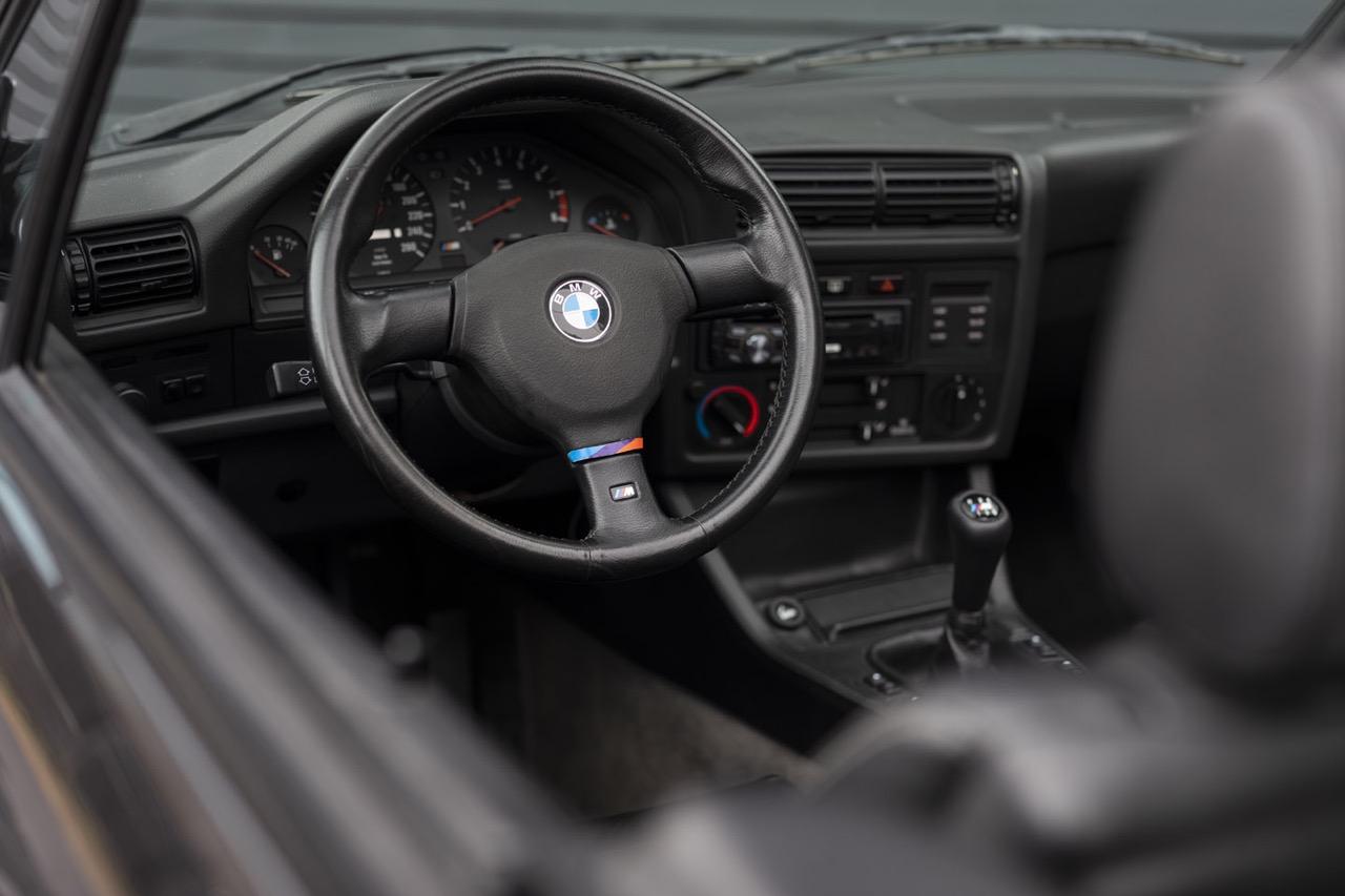 BMW M3 E30 Cabriolet... Spéciale Kéké ! 28