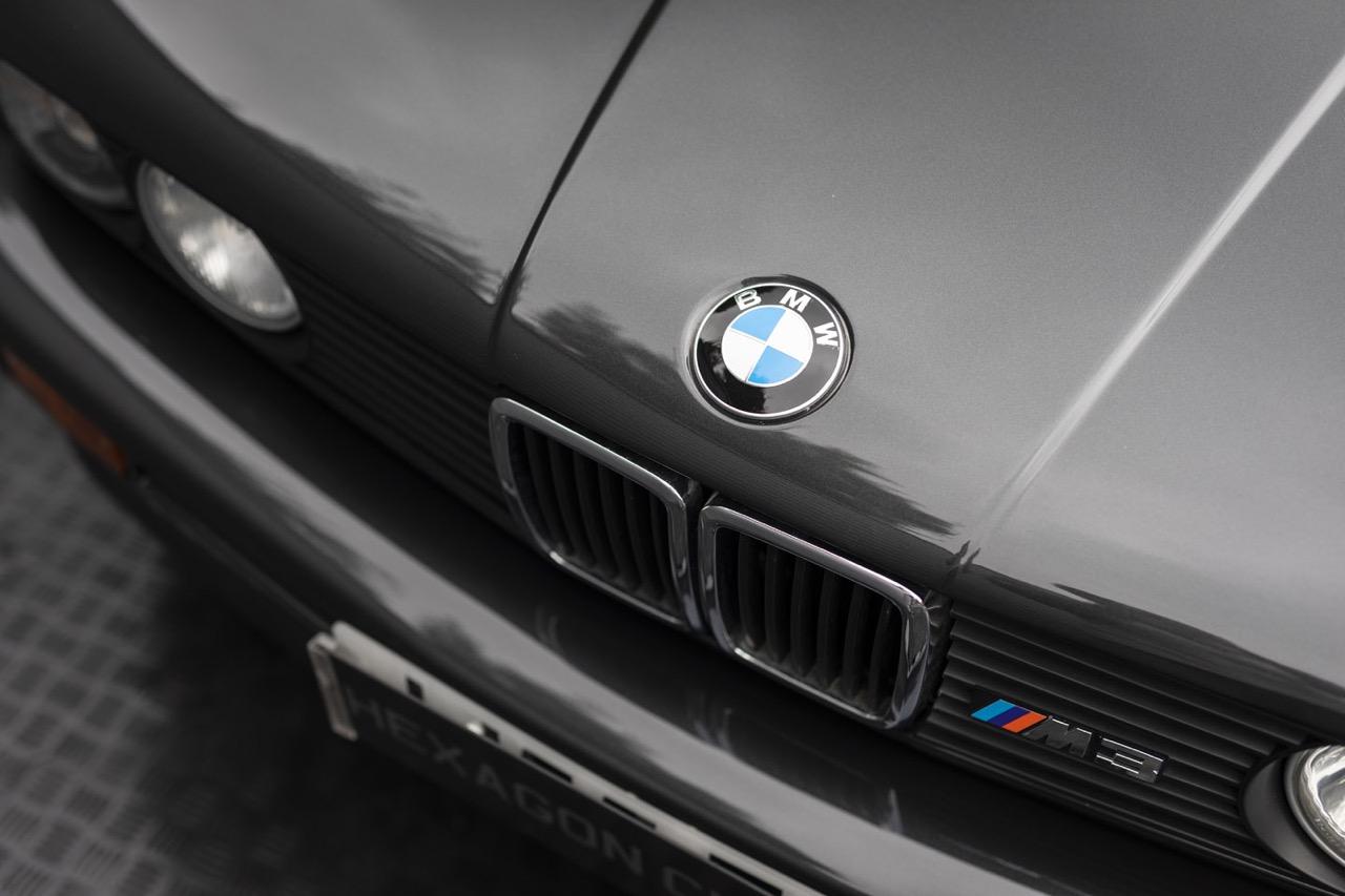 BMW M3 E30 Cabriolet... Spéciale Kéké ! 24