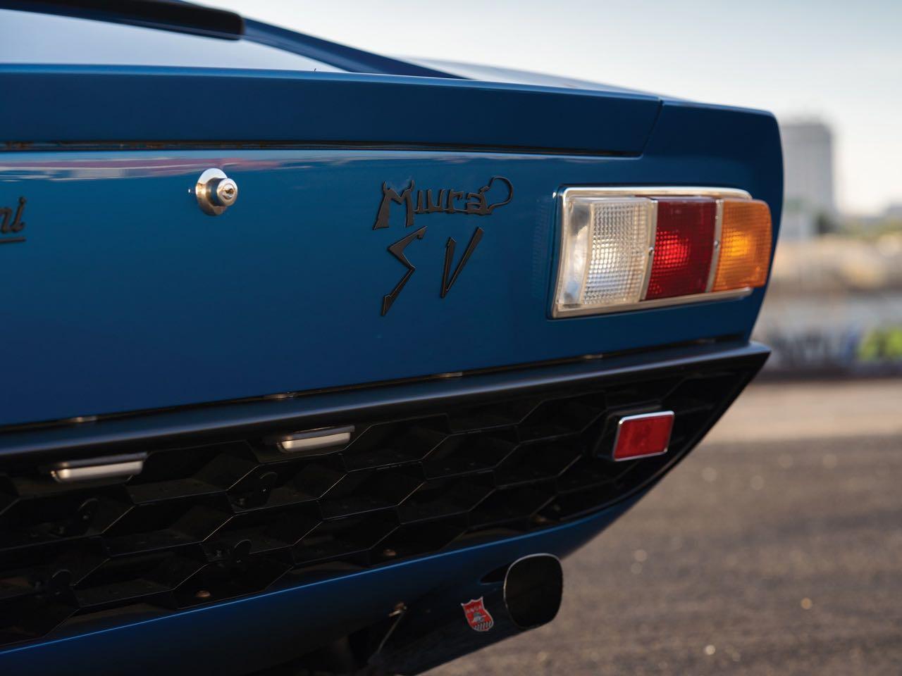 Lamborghini Miura P400 SV... Blue devil ! 4