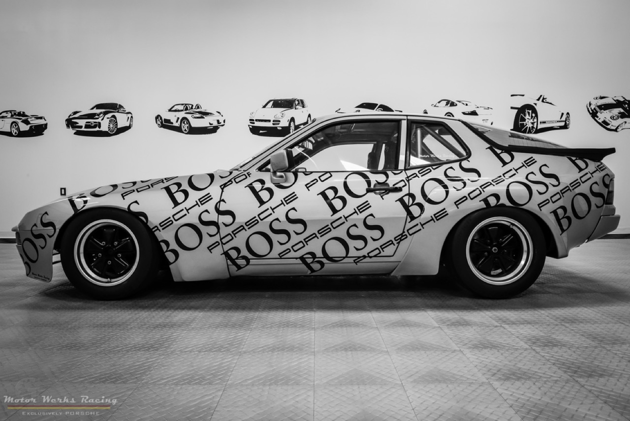 Motor Werks Racing : Porsche 924 Heritage Tribute Edition... 46