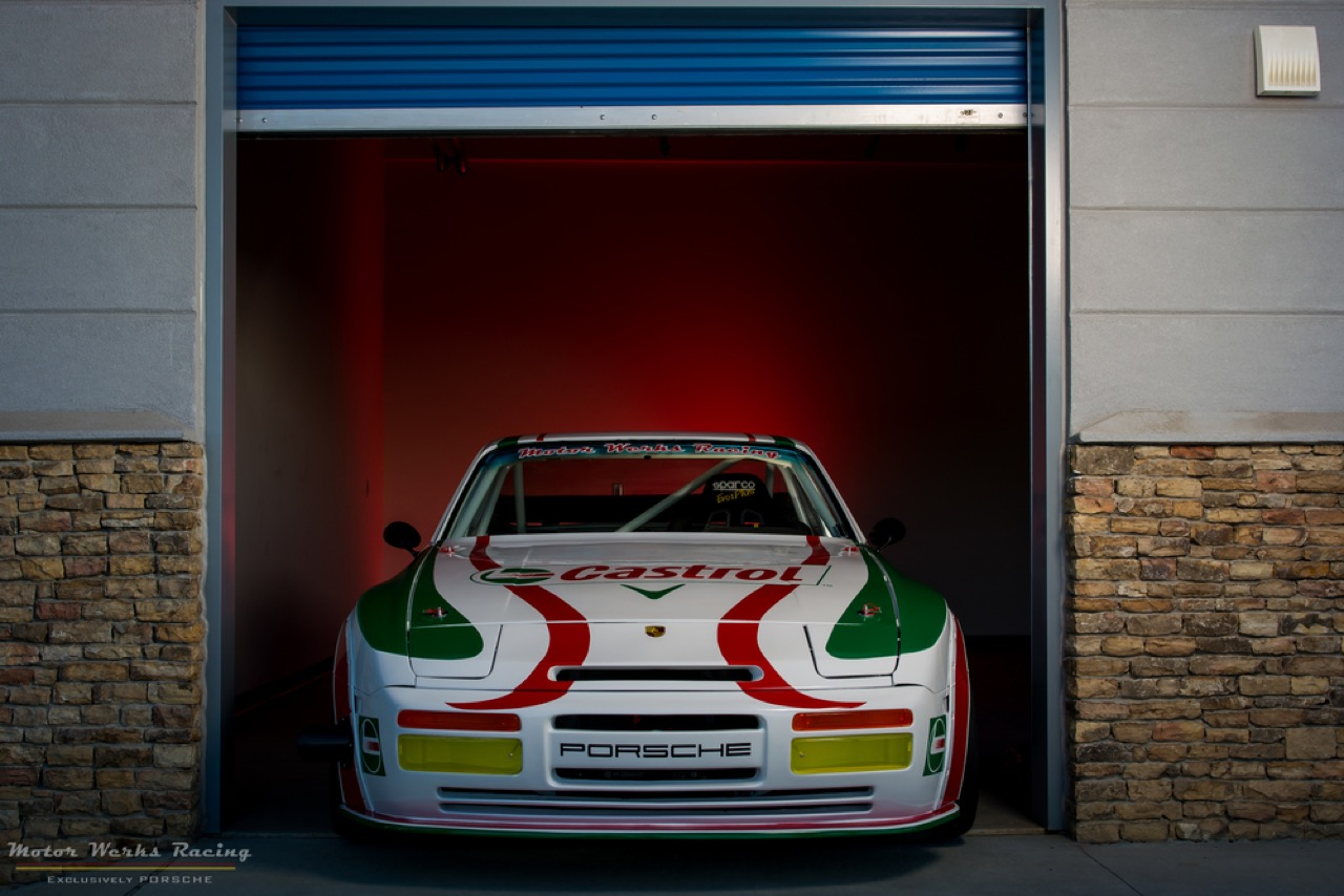 Motor Werks Racing : Porsche 924 Heritage Tribute Edition... 49