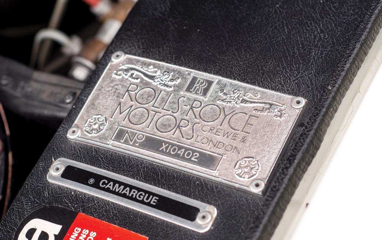Rolls Royce Camargue CC... Quand la reine du kitch prend l'air ! 38