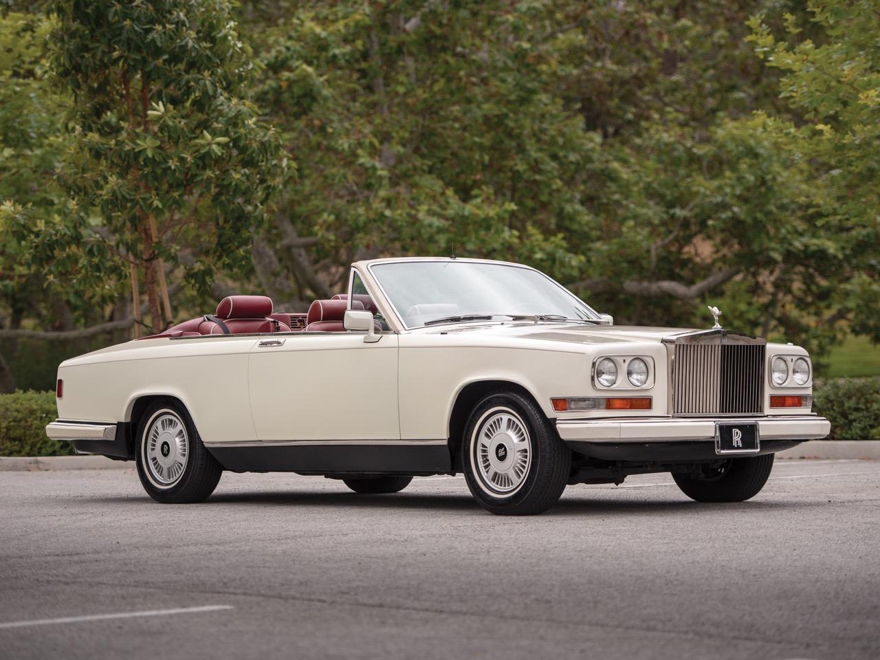 Rolls Royce Camargue CC... Quand la reine du kitch prend l'air ! 54