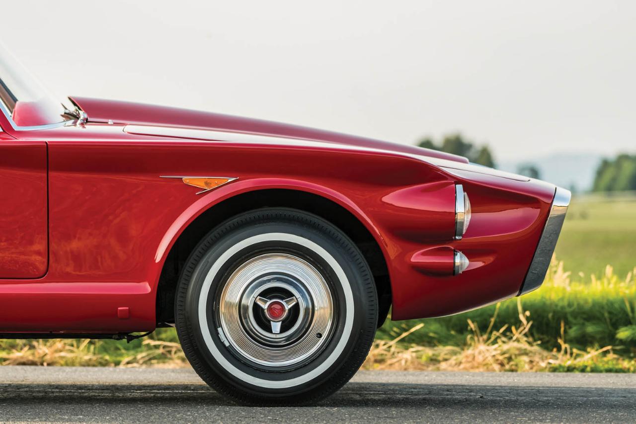 '61 Plymouth Asimmetrica Roadster Ghia - Vous avez dit bizarre ? 2