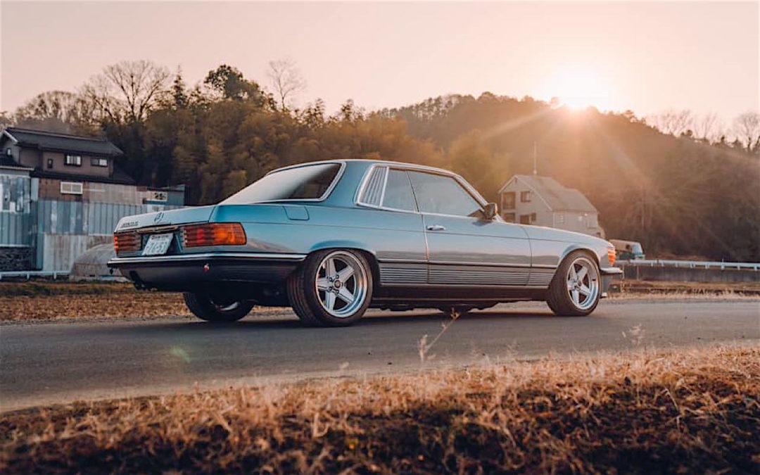 '77 Mercedes 450SLC… Une R107 en 2JZ !