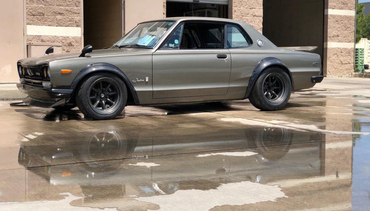 '72 Nissan Skyline KPGC10 Replica - Si tu lèves le capot... 1