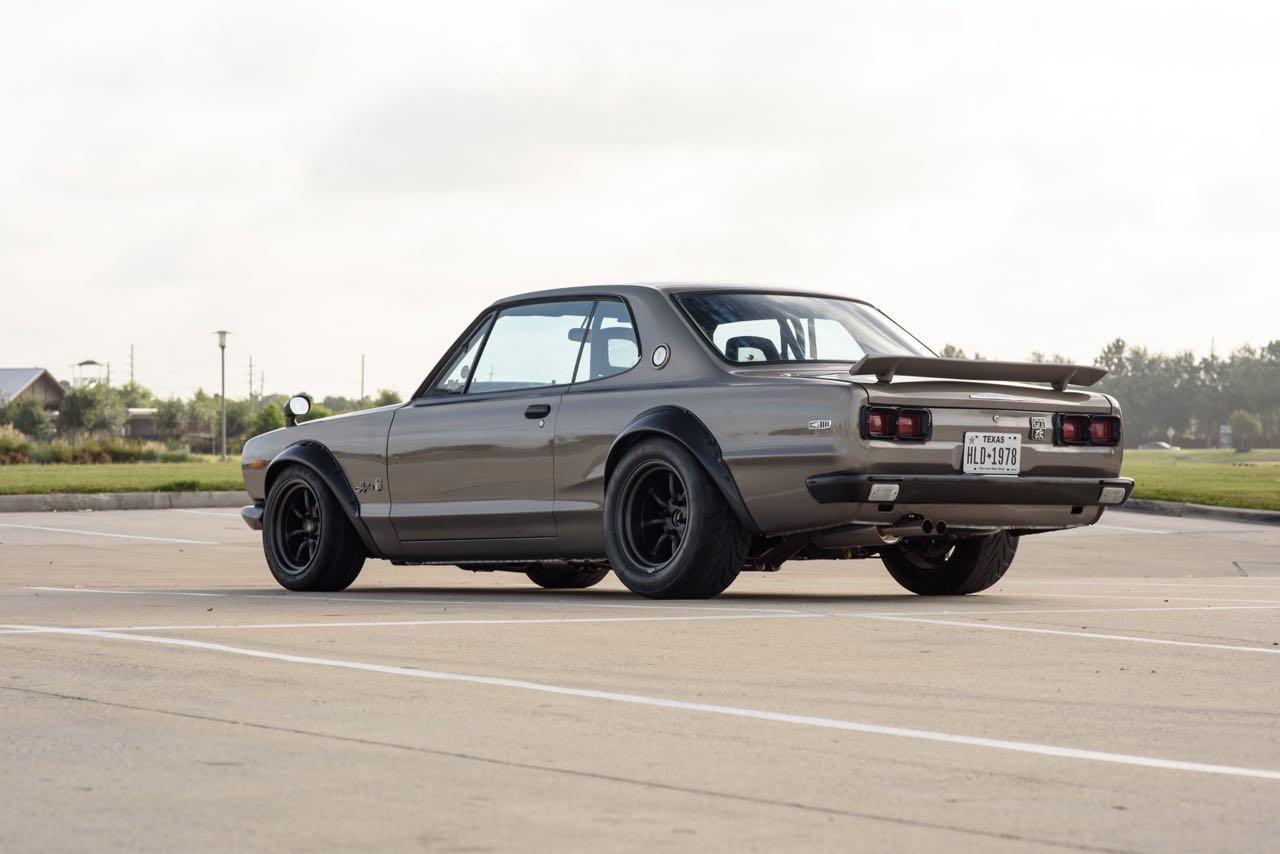 '72 Nissan Skyline KPGC10 Replica - Si tu lèves le capot... 17