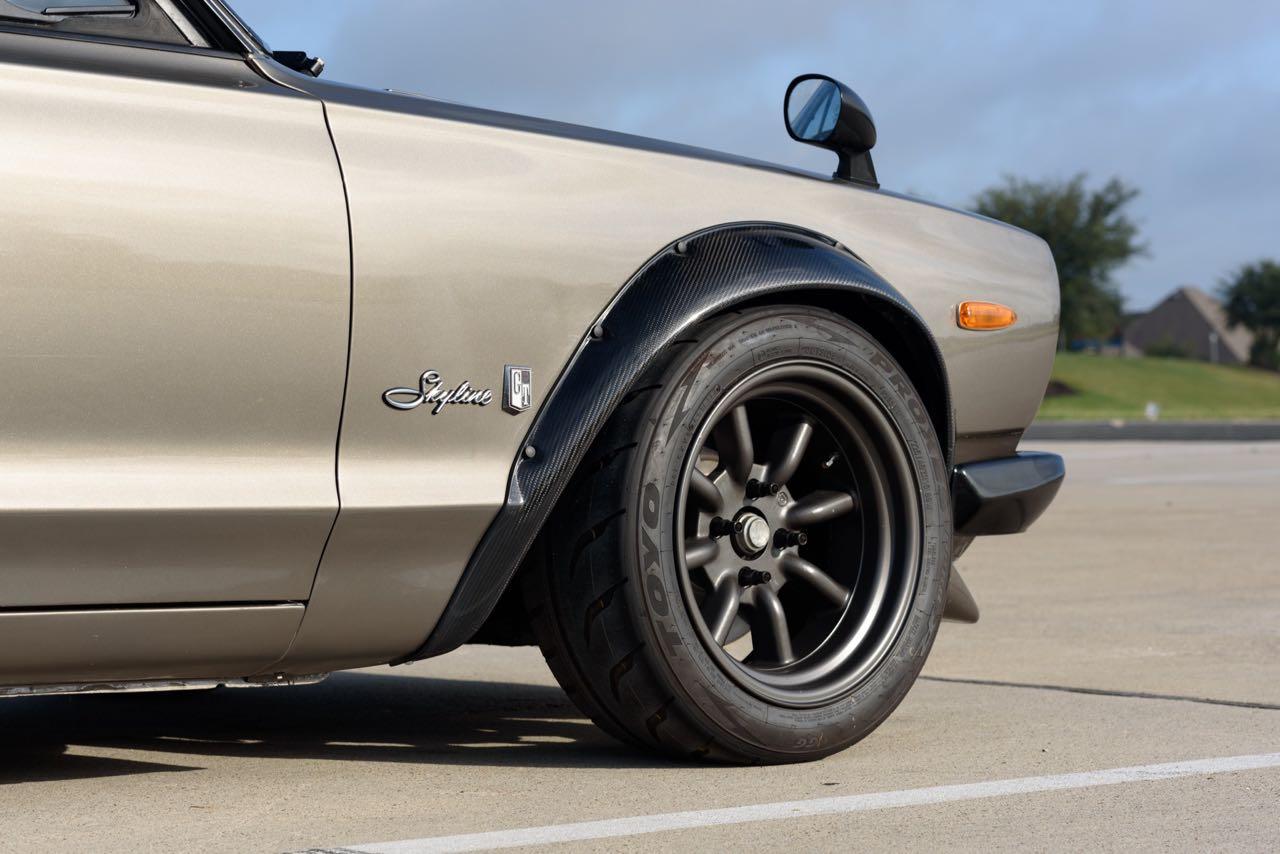 '72 Nissan Skyline KPGC10 Replica - Si tu lèves le capot... 8