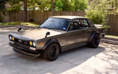 '72 Nissan Skyline KPGC10 Replica – Si tu lèves le capot…