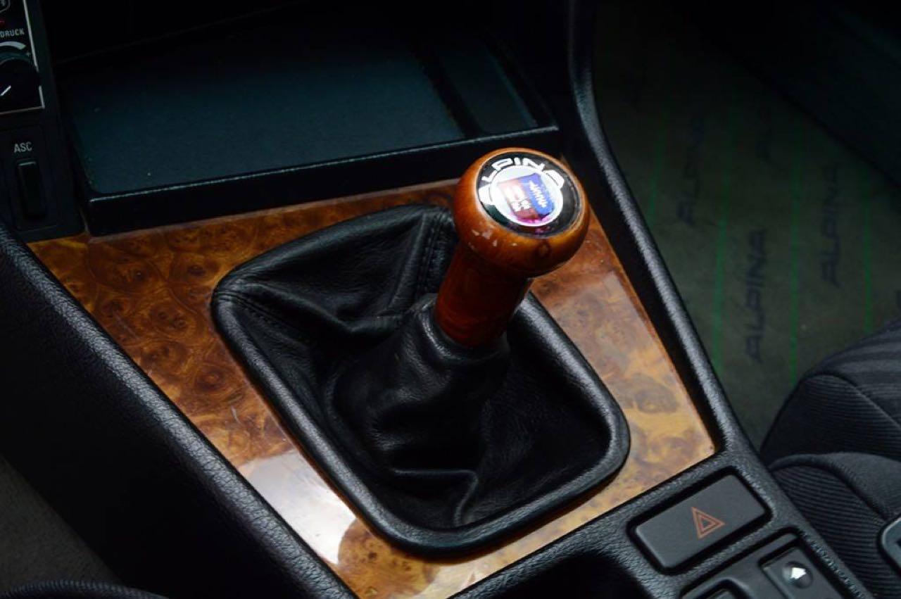 Alpina B10 Biturbo E34... Timeless ! Mais avec deux turbos... 55