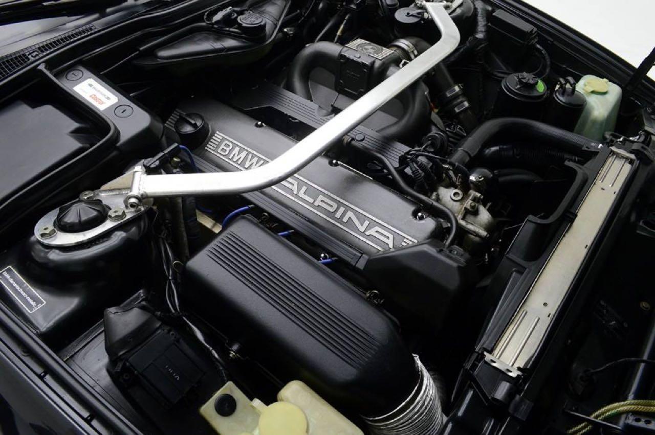 Alpina B10 Biturbo E34... Timeless ! Mais avec deux turbos... 52