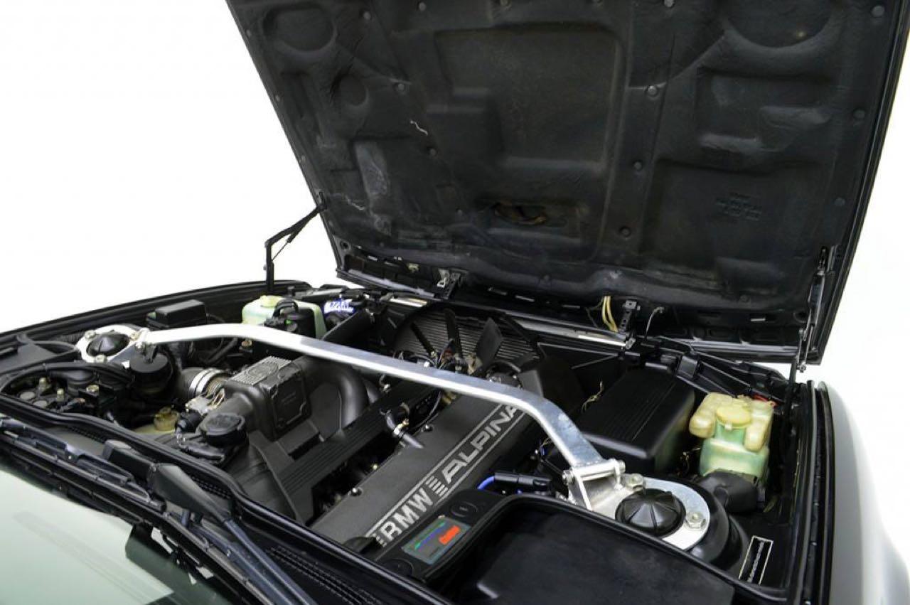 Alpina B10 Biturbo E34... Timeless ! Mais avec deux turbos... 53