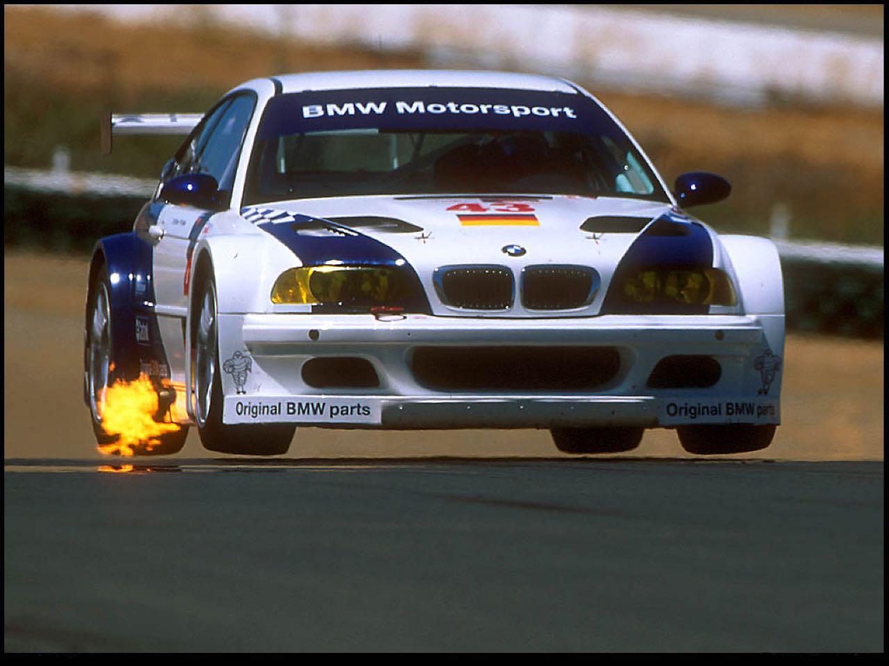 BMW M3 GTR... Un V8 pour la E46 ! 10