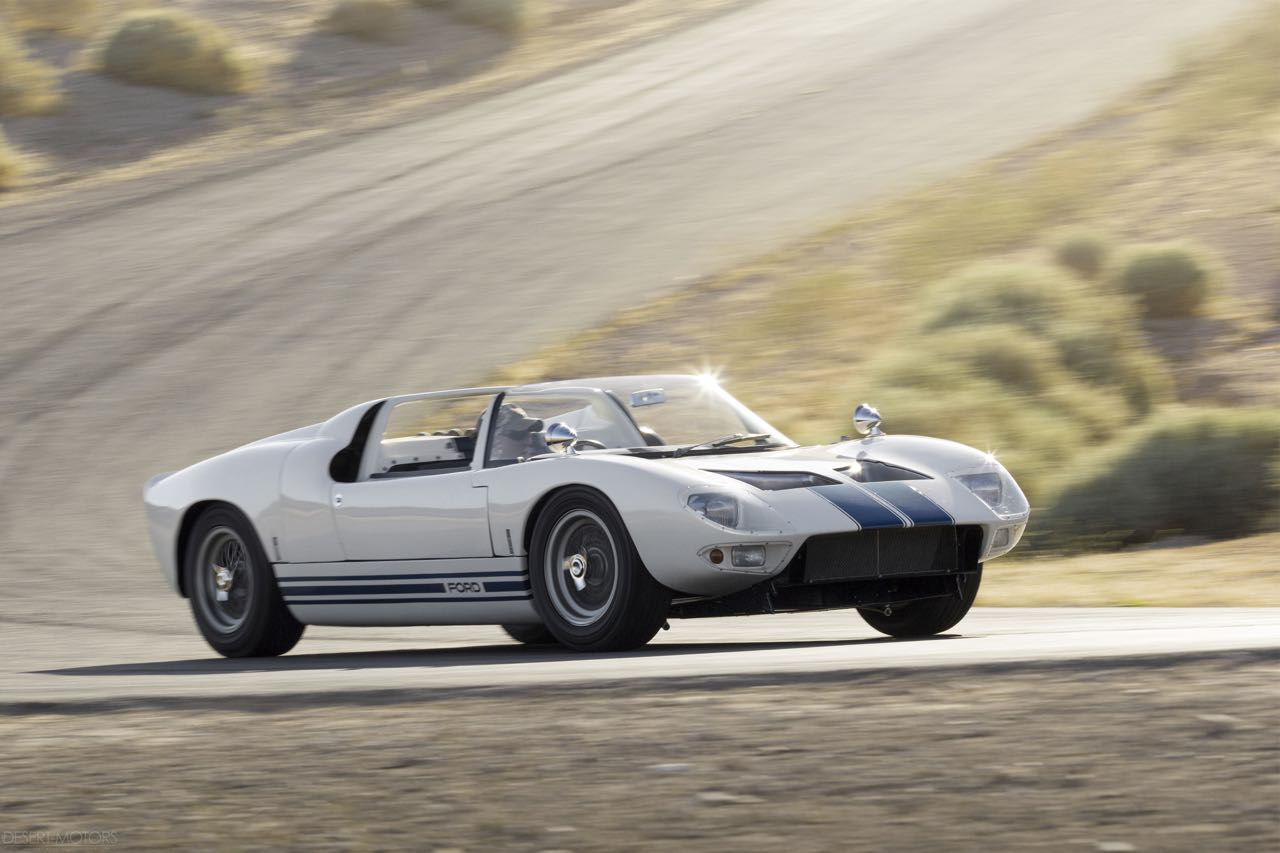 Ford GT40 Roadster... Cheveux au vent ! 10