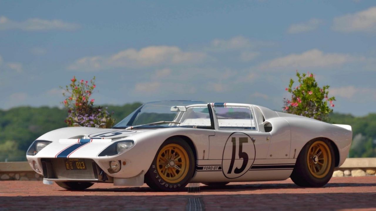 Ford GT40 Roadster... Cheveux au vent ! 12