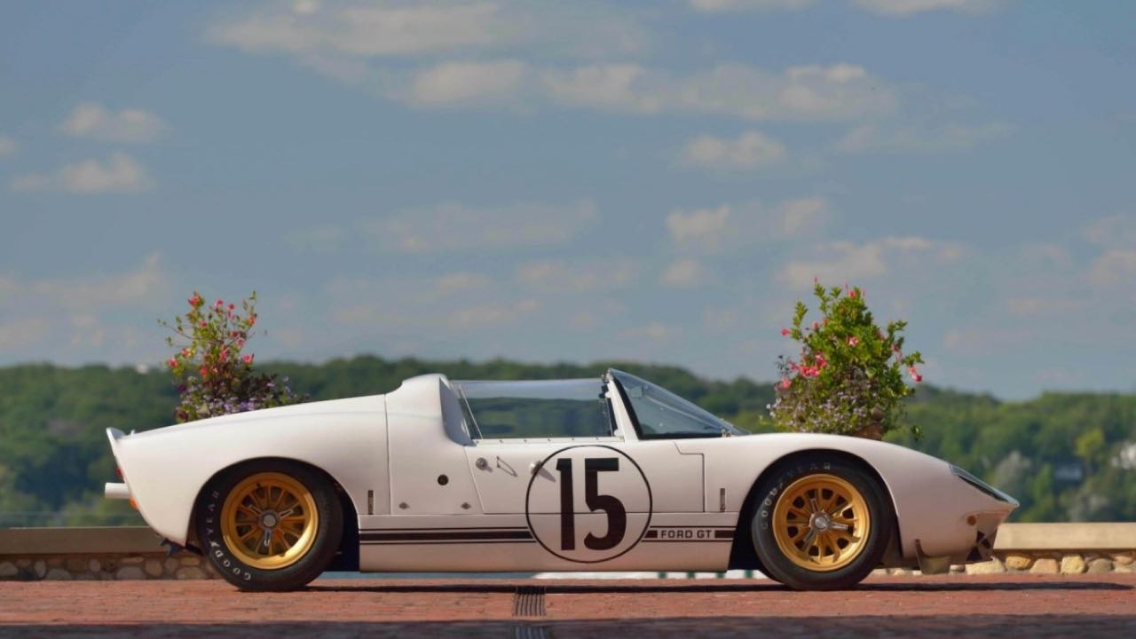 Ford GT40 Roadster... Cheveux au vent ! 1