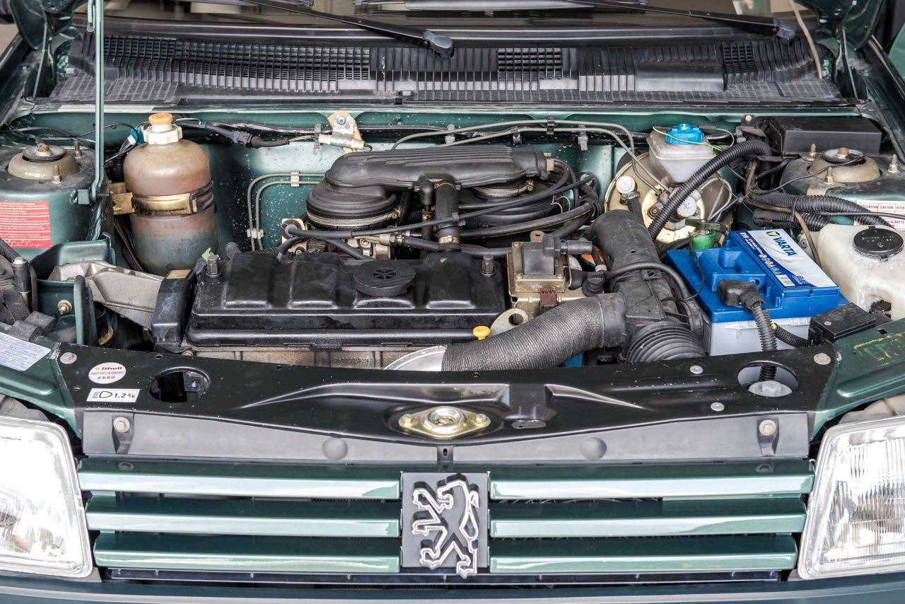 Peugeot 205 Cabriolet Roland Garros - Jeu, set et match ! 5