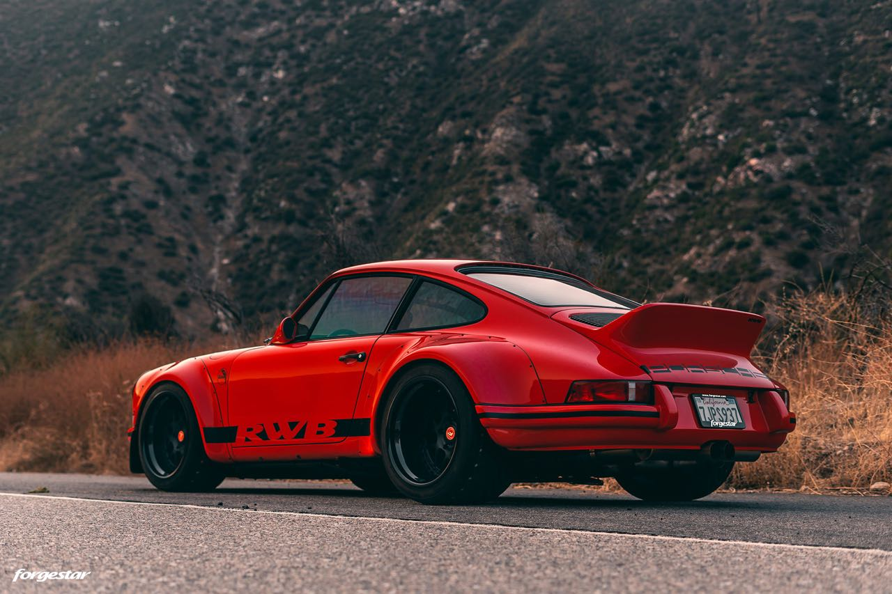 Porsche 911 RWB Backdated... Le rouge et le noir ! 11
