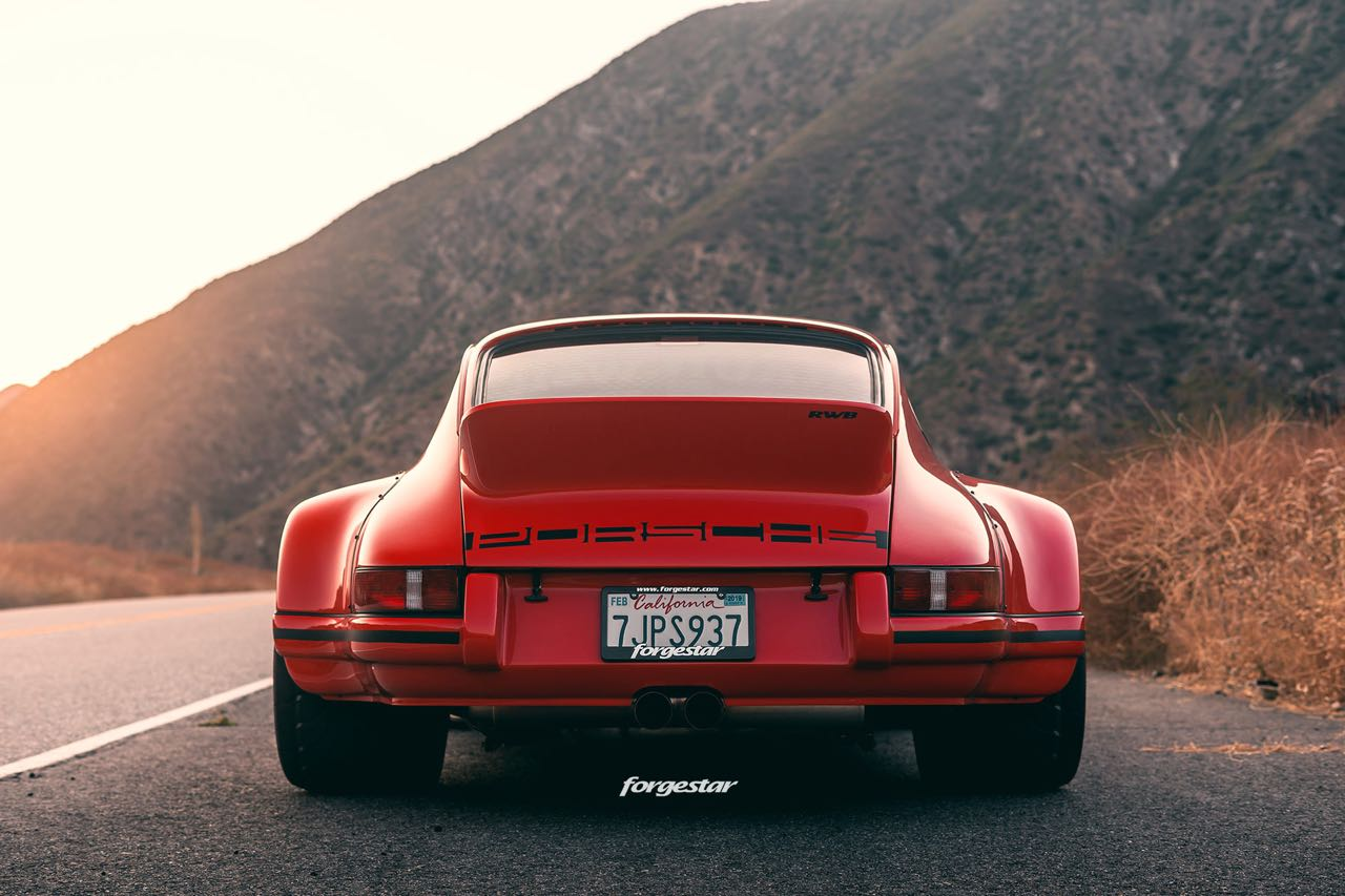 Porsche 911 RWB Backdated... Le rouge et le noir ! 8