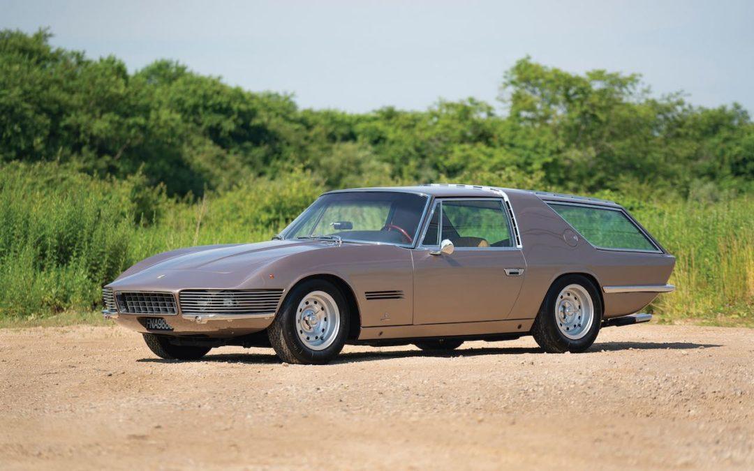 '65 Ferrari 330 GT 2+2 Shooting Brake – La dernière création de Vignale !