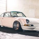 Porsche 911 E-RWB par Street Fighter LA : Quand RWB rencontre Tesla !