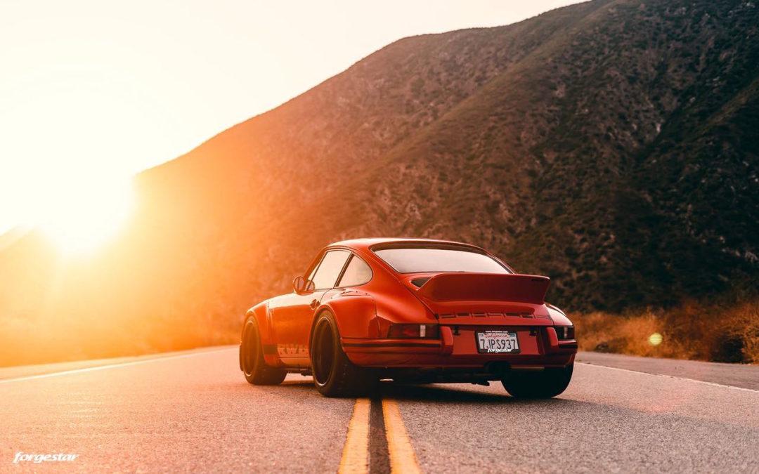 Porsche 911 RWB Backdated… Le rouge et le noir !