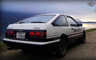 La Toyota AE86 de Quentin – Takumi habite en Normandie !