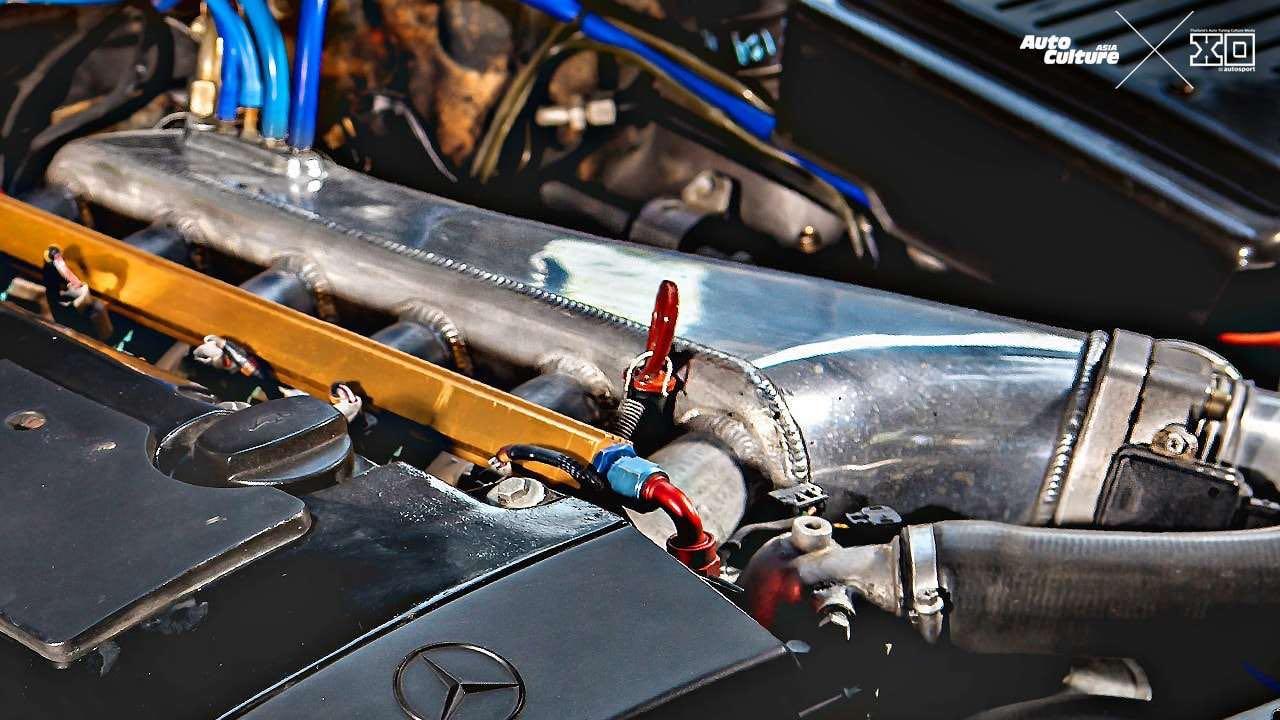 Mercedes 280 SL... Dévergondée ! 11
