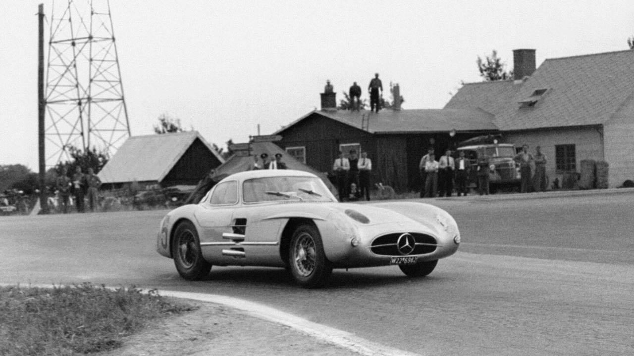 Mercedes 300 SLR... Un R qui change tout ! 44