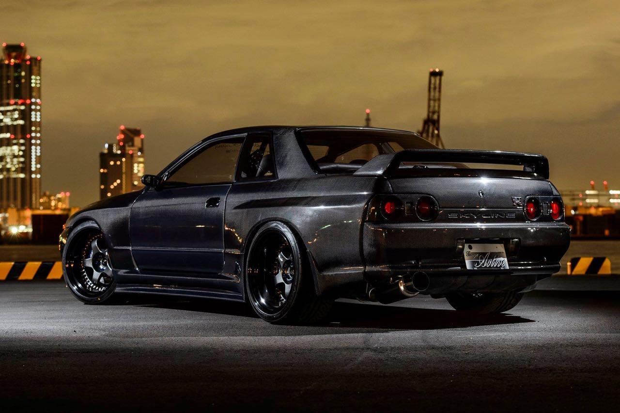 Nissan Skyline R32 GTR par Garage Active.... Full carbone ! 2