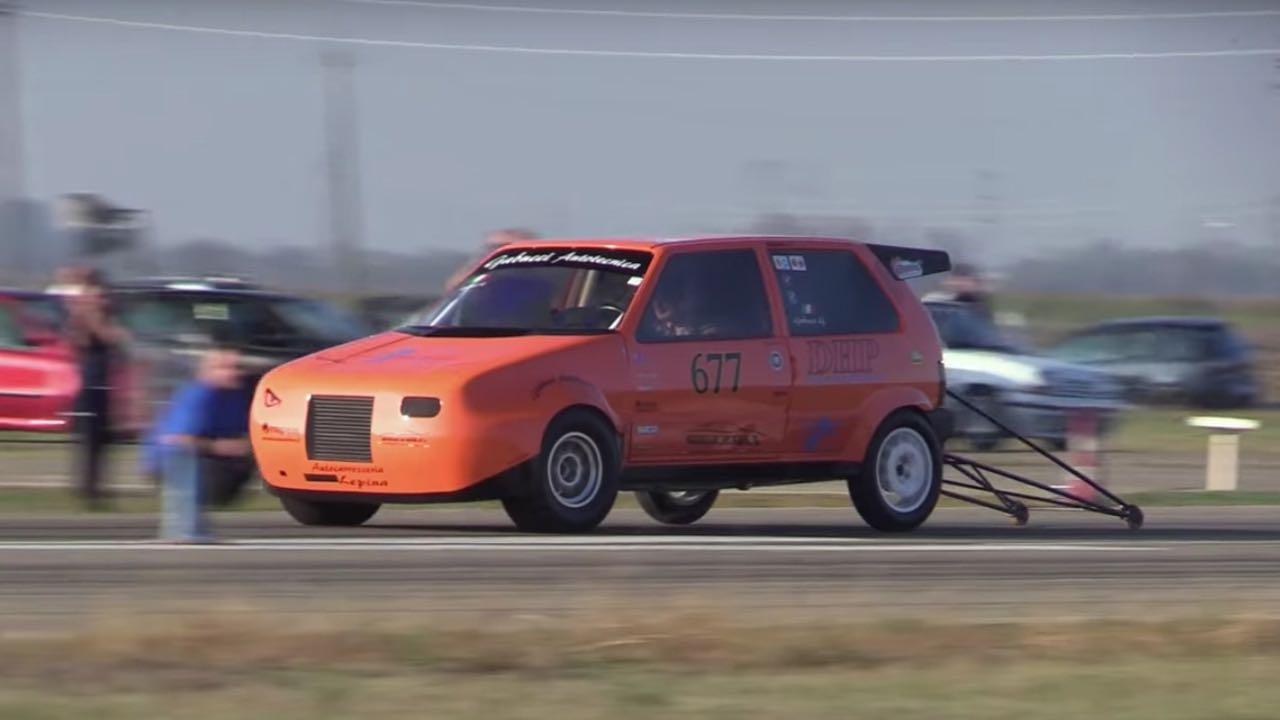 600 ch dans une Fiat Uno... Oui, ils l'ont fait ! 1