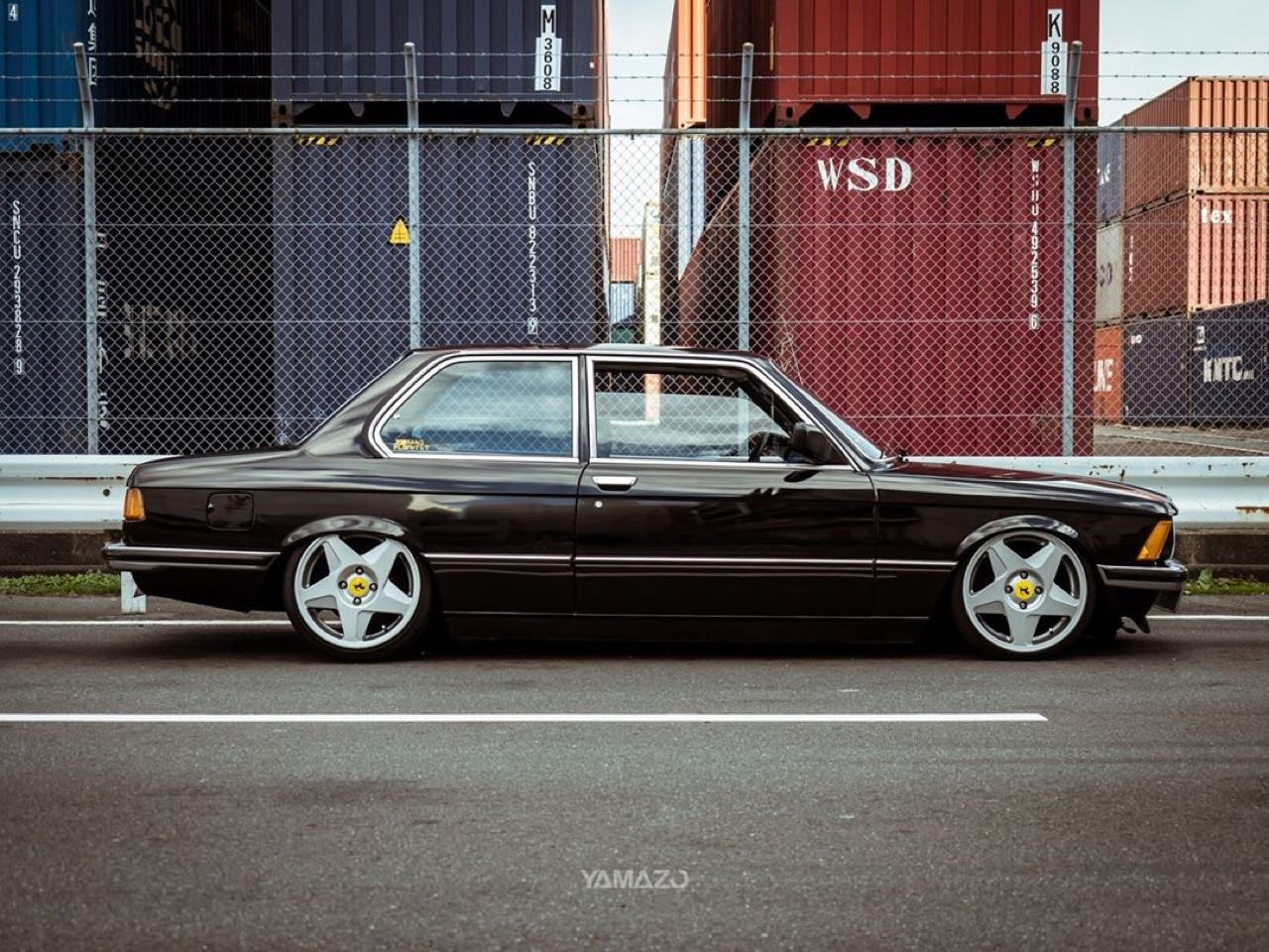 BMW 318i E21... Duo made in Japan ! 3