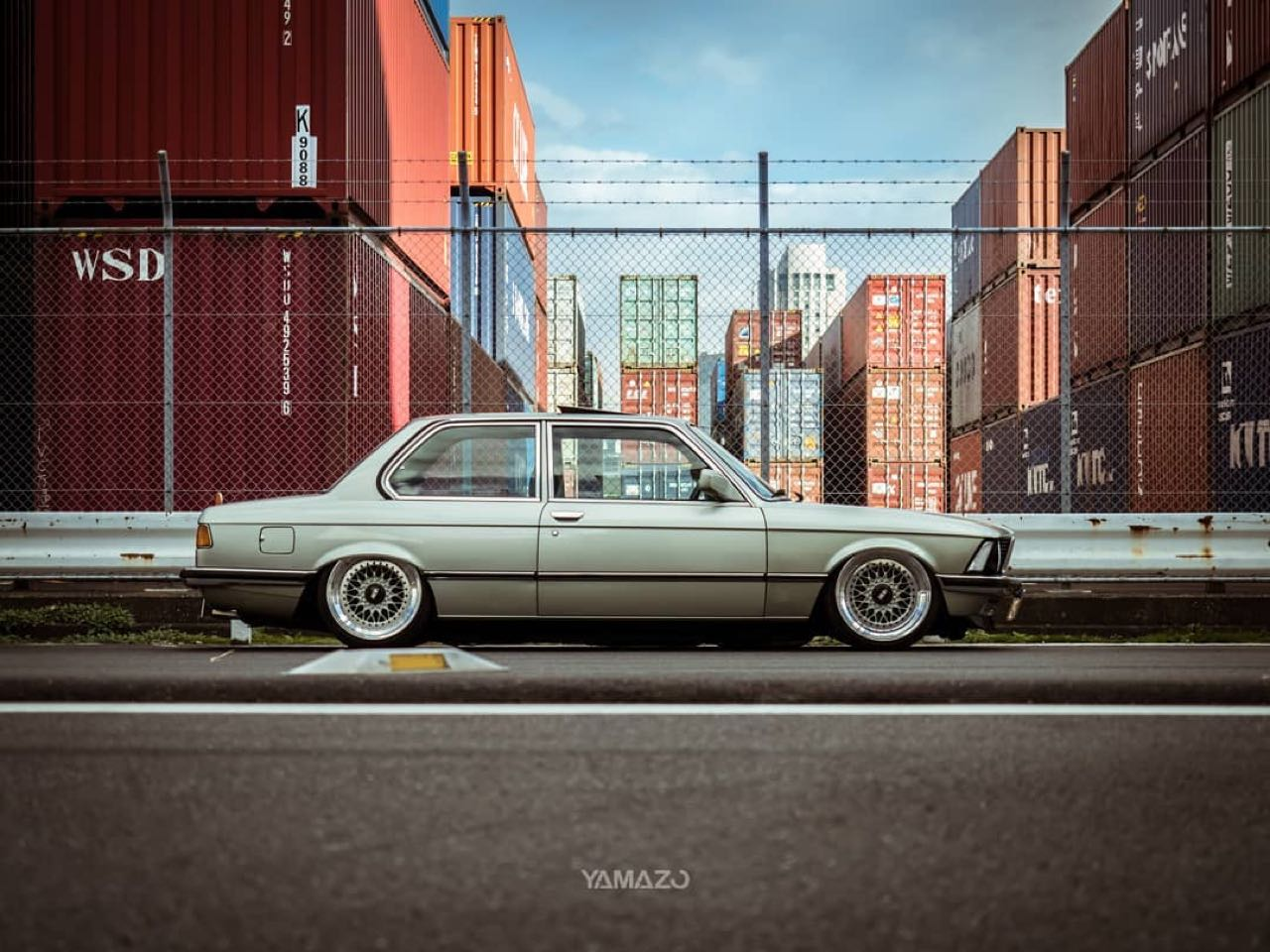BMW 318i E21... Duo made in Japan ! 2