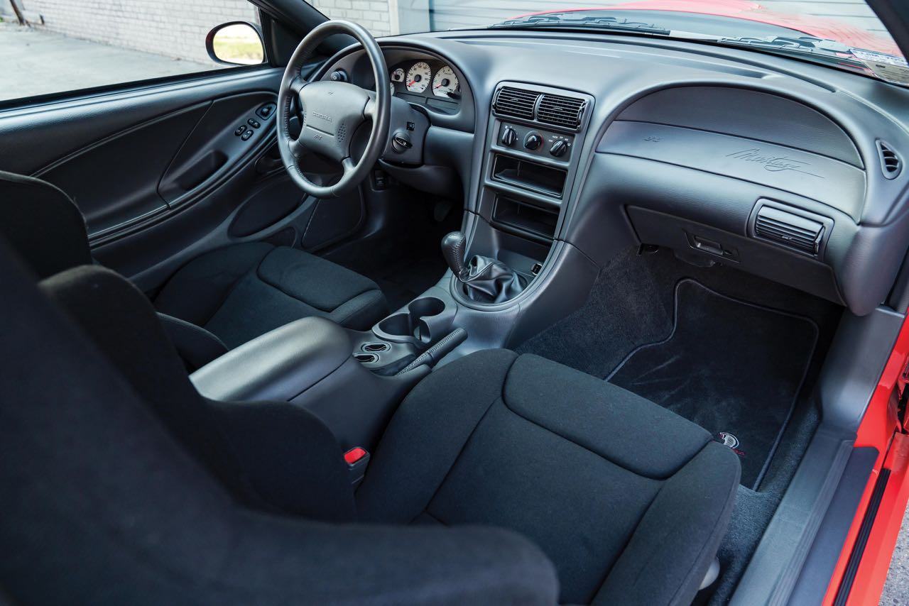 Ford Mustang SVT Cobra R... Ringarde ? 10