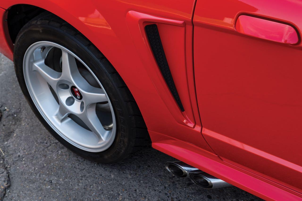 Ford Mustang SVT Cobra R... Ringarde ? 13