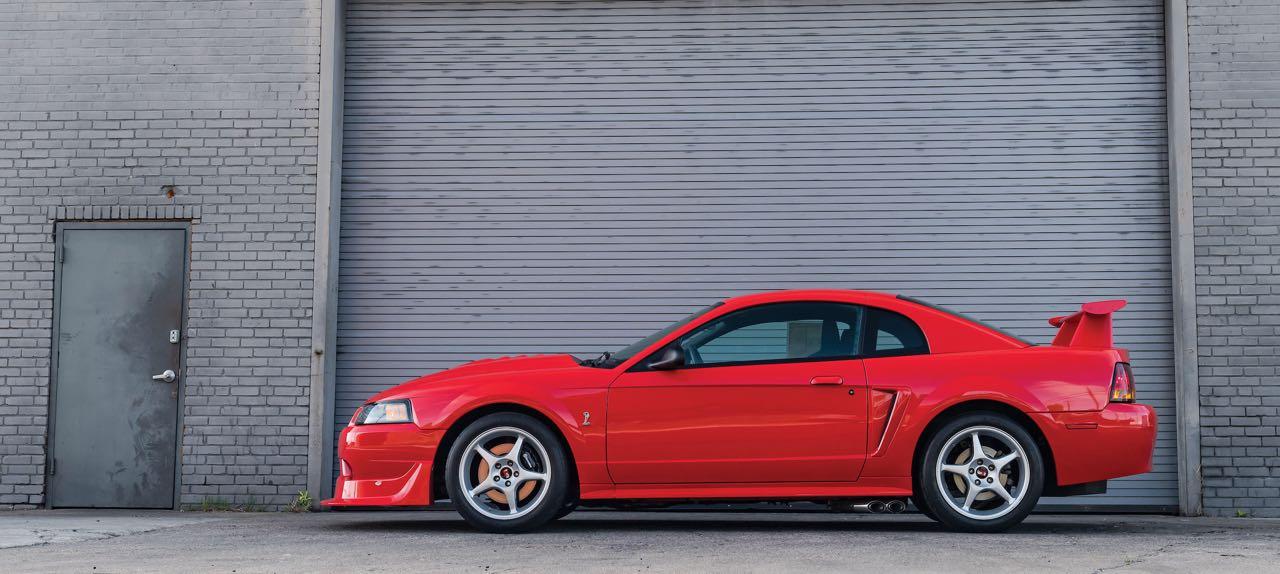 Ford Mustang SVT Cobra R... Ringarde ? 2