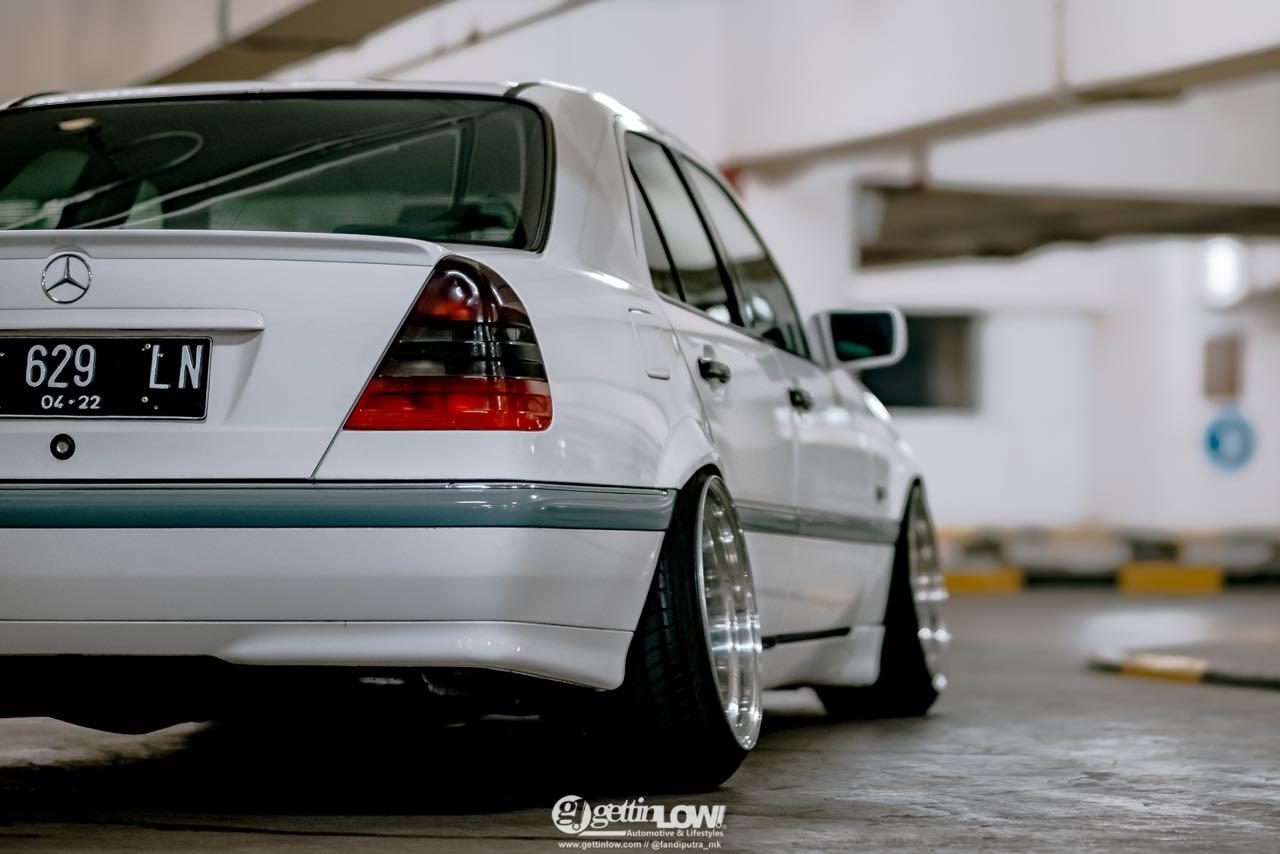 '97 Mercedes Classe C W202... Le static, c'est chic ! 11
