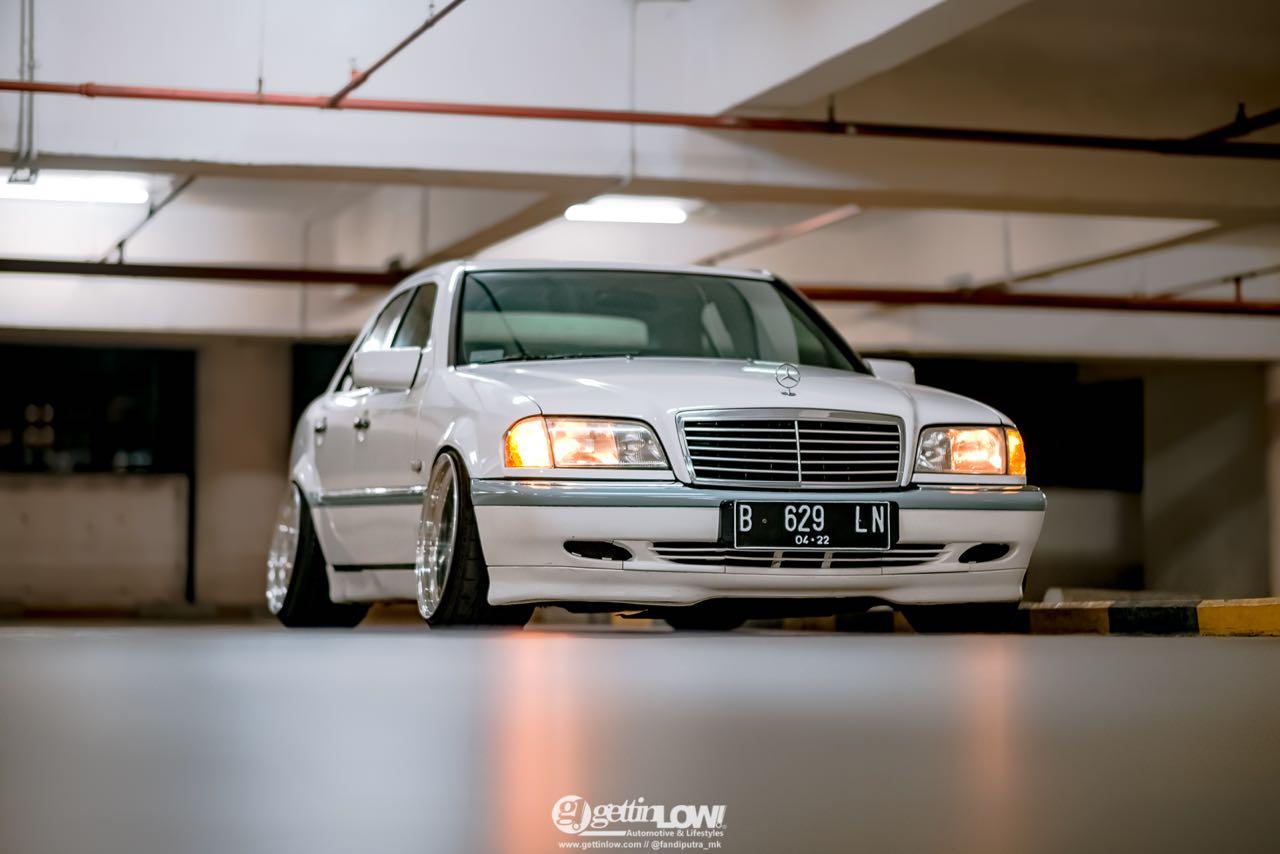 '97 Mercedes Classe C W202... Le static, c'est chic ! 2