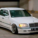 '97 Mercedes Classe C W202... Le static, c'est chic !