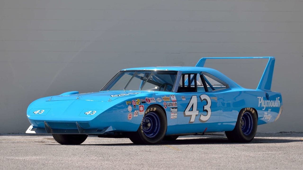 Richard Petty : Plymouth Superbird & Road Runner - La légende du NASCAR...  De l'essence dans mes veines