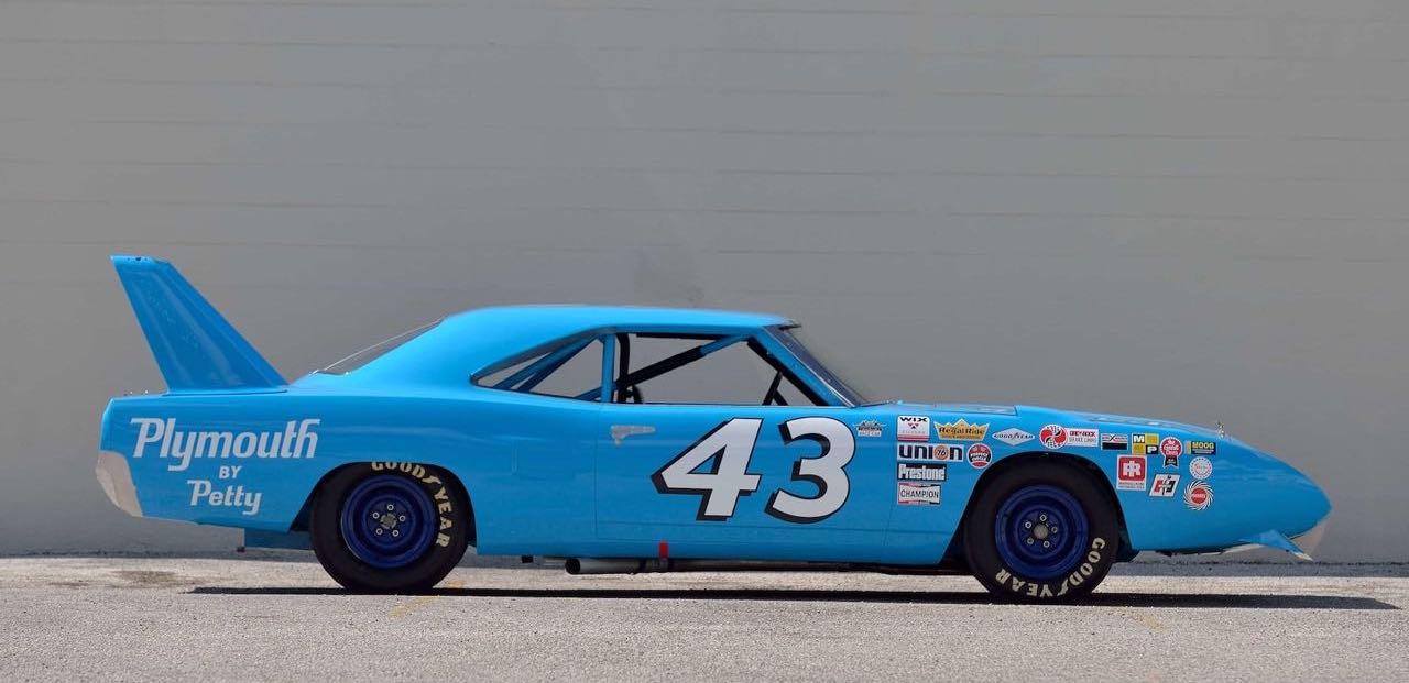 Richard Petty : Plymouth Superbird & Road Runner - La légende du NASCAR... 6