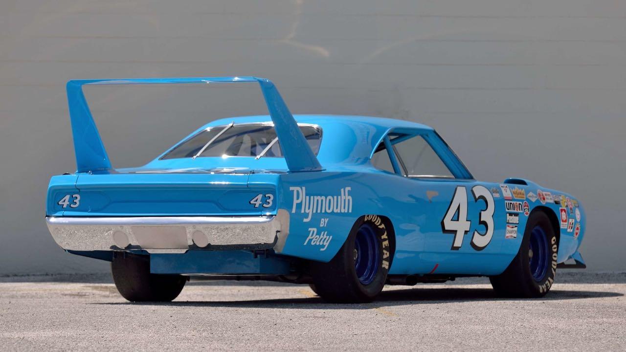 Richard Petty : Plymouth Superbird & Road Runner - La légende du NASCAR... 5