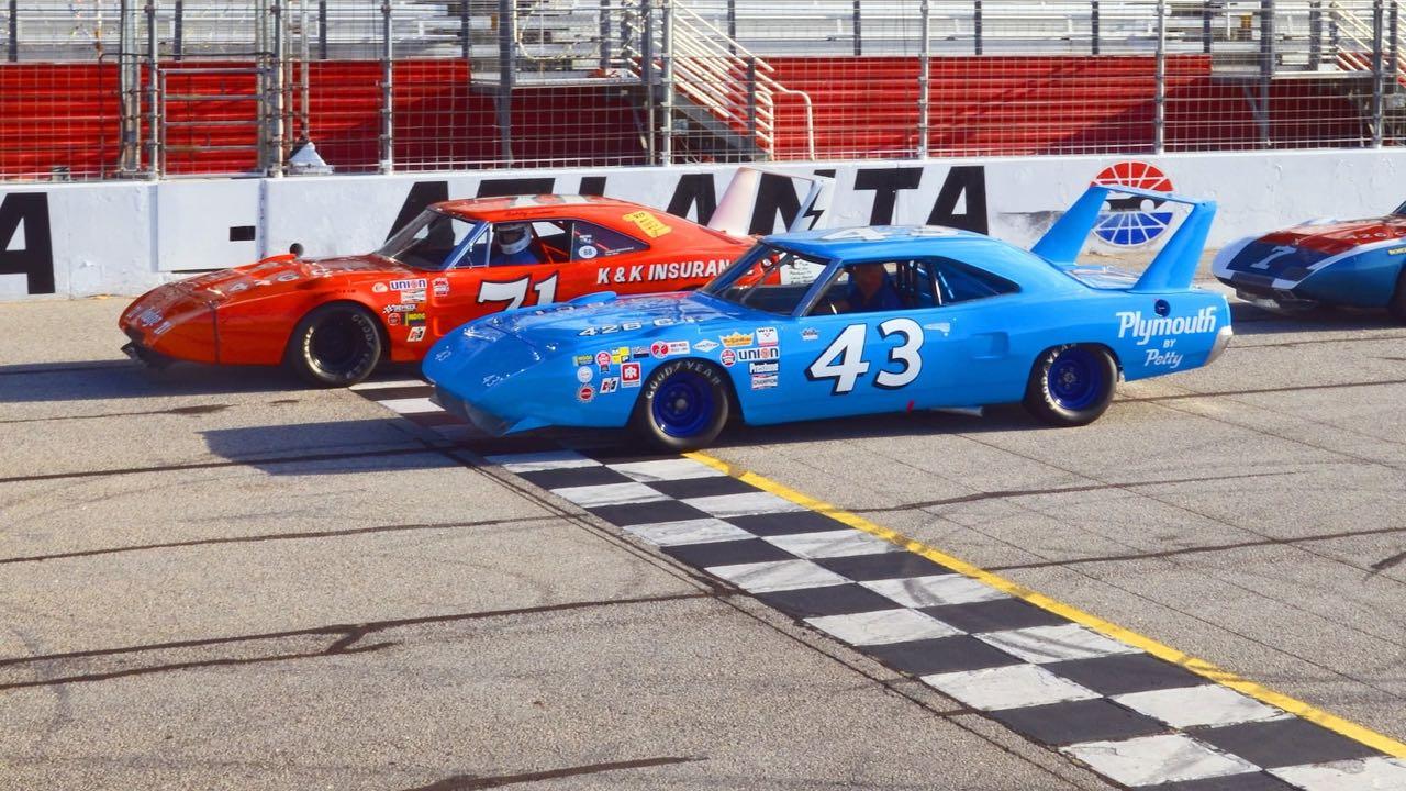 Richard Petty : Plymouth Superbird & Road Runner - La légende du NASCAR... 3