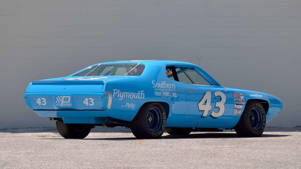 Richard Petty : Plymouth Superbird & Road Runner - La légende du NASCAR... 12