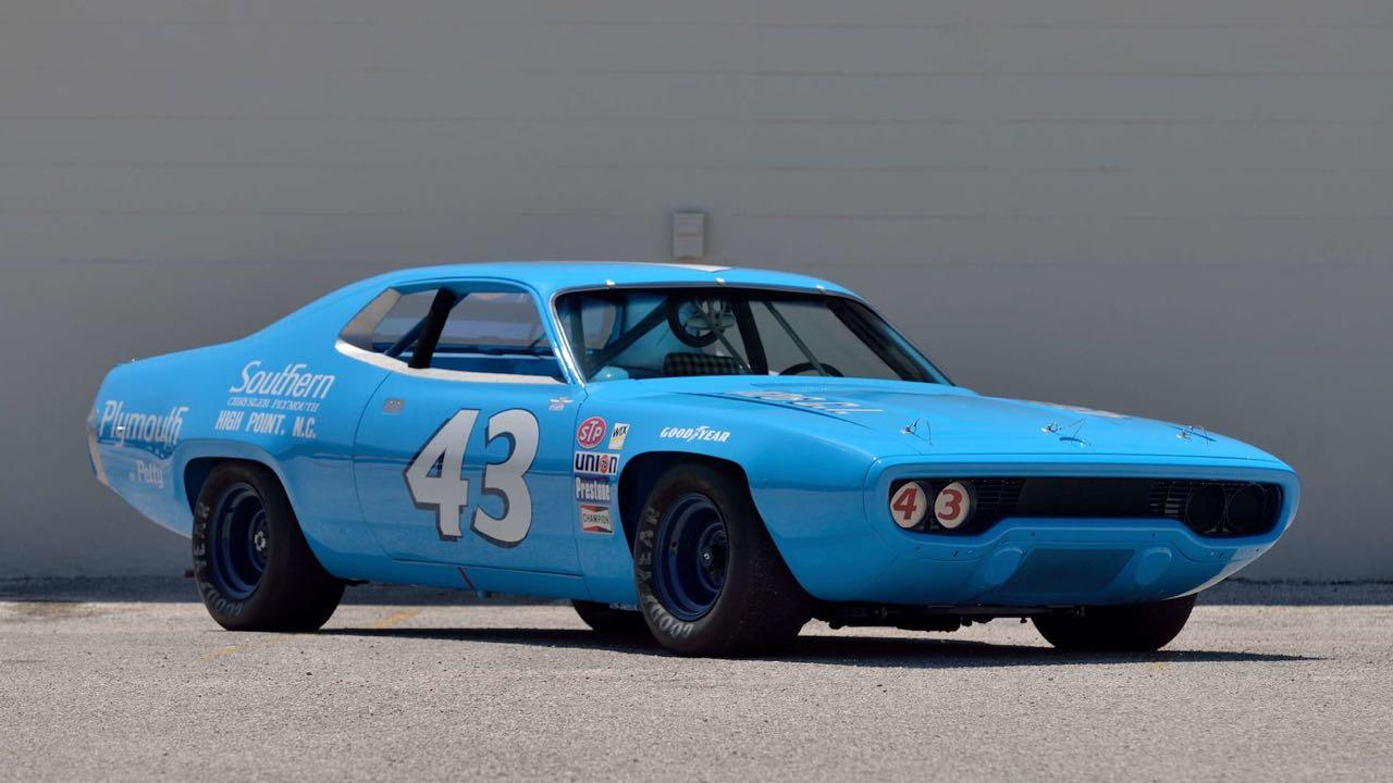 Richard Petty : Plymouth Superbird & Road Runner - La légende du NASCAR... 11