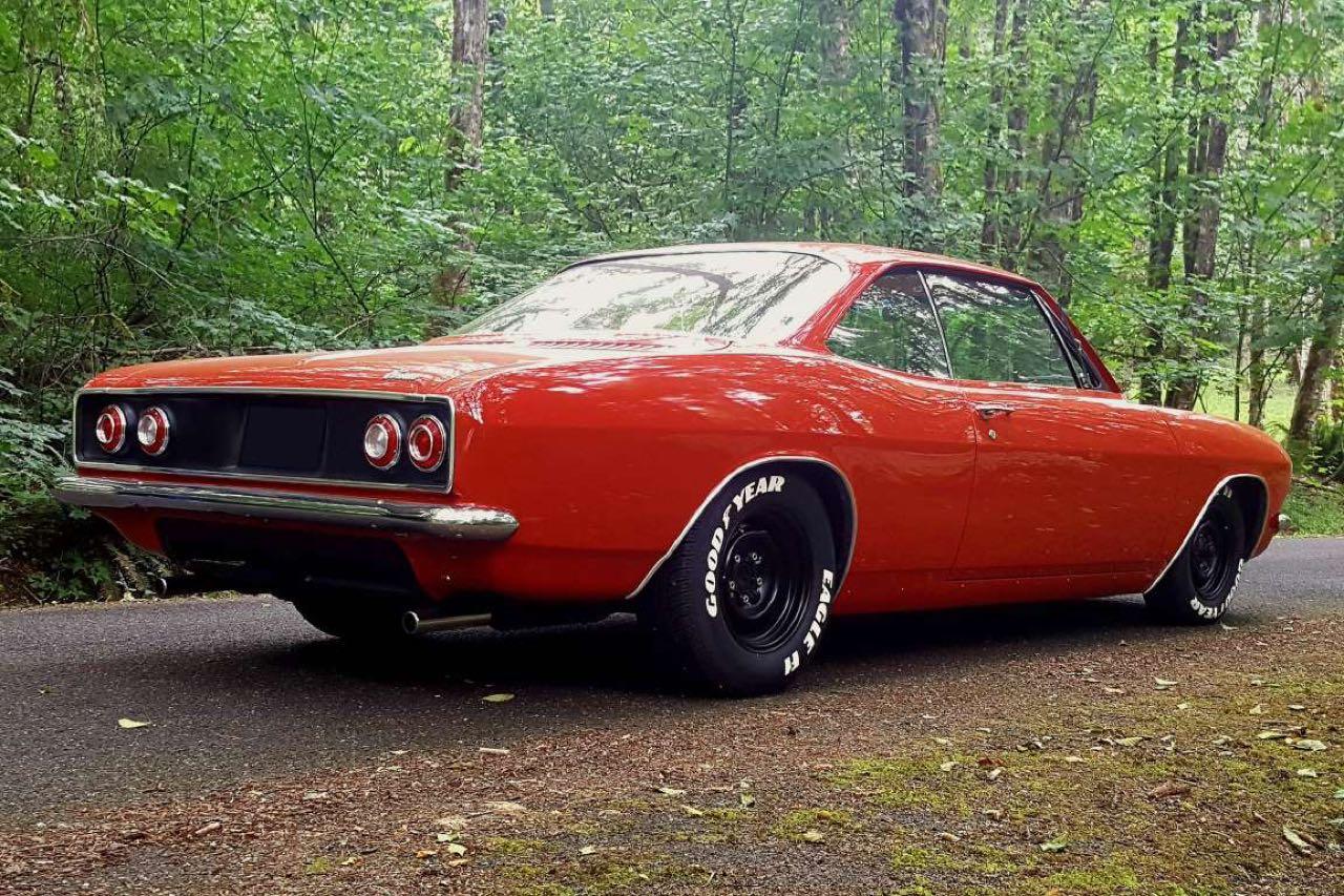 '65 Chevrolet Corvair Monza - Sobre, c'est bien aussi... 3